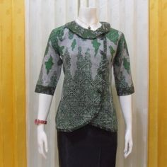 Image result for motif batik seragam kantor Model Dress Batik, Batik Dress, Batik Fashion, Hijab Fashion, Fashion Outfits, Blouse Styles, Blouse Designs, Blouse Batik Modern, Dress Batik Kombinasi