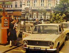 1980-as évek eleje, Vörösmarty tér, 5. kerület Vintage Ads, Vintage Photos, Budapest Hungary, My Way, Old Photos, Arcade, Back To School, History, City