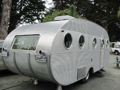 A cozy little home, - 1950's Airfloat-love the round windows!