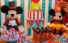 mickey e minnie circo