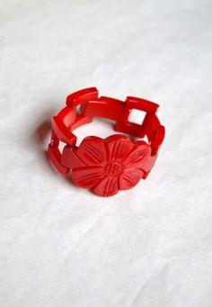 1930s 40s Rare cherry red Bakelite gate link bracelet by Veramode, £154.00 Women's vintage accessories jewelry