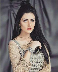 Most Wanted Pakistani Celebs Pakistani Bridal Makeup, Pakistani Girl, Pakistani Bridal Dresses, Pakistani Actress, Sara Khan Pakistani, Pakistani Dramas, Beautiful Girl Photo, Beautiful Girl Indian, Beautiful Indian Actress