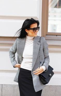 HOW TO WEAR THIS SEASON KEY FASHION STAPLE: oversized, double-breasted, checked blazer. Stella McCartney, Chanel, Céline http://mariannelle.com