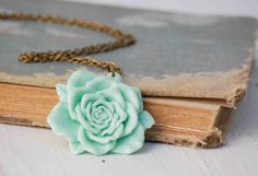 Amanda Castleberry Photography: America and Bo, Wedding. Cute Jewelry, Jewelry Accessories, Fashion Accessories, Fashion Jewelry, Wedding Mint Green, Rose Necklace, Green Rose, Mint Color, Diamond Are A Girls Best Friend