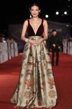 Fabulously Spotted: Shu Qi Wearing Valentino Couture - The 50th Golden Horse Awards - http://www.becauseiamfabulous.com/2013/11/shu-qi-wearing-valentino-couture-the-50th-golden-horse-awards/