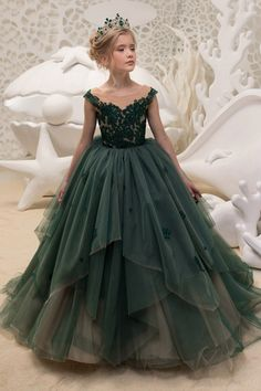 Pretty Tulle Jewel Neckline Ball Gown Flower Girl Dress With Lace Appliques - Party Fashion - Girls Pageant Dresses, Gowns For Girls, Dresses Kids Girl, Girls Party Dress, Party Dresses, Pretty Dresses For Kids, Wedding Dresses For Kids, Beautiful Dresses, Little Girl Gowns