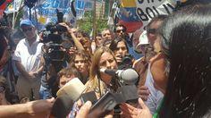 @DrodriguezVen : RT @ConCiliaFlores: Mi solidaridad con #DelcyDignaCanciller ante agresión del gobierno argentino y de la triple alianzaviolaron normas del DerechoInternacional