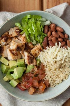 Healthy dinner recipes 799951952544307358 - This chipotle-flavored burrito bowl recipe is even better than takeout and just as fast. Loading it with vegetables and using quinoa in place of rice adds nutrition for a healthy dinner. Healthy Meal Prep, Healthy Snacks, Healthy Eating, Dinner Healthy, Healthy Dinners, Healthy Recipes Dinner Weightloss, Lunch Recipes, Diet Recipes, Chicken Recipes