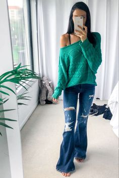 Holiday Outfits, Spring Outfits, Cold Shoulder Sweater, Distressed Denim, Flare Jeans, Bell Bottom Jeans, Perfect Fit, Christmas Sweaters, Fashion Beauty