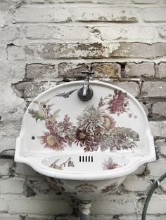 Shabby Chic Home Decor Lavabo Exterior, Casas Shabby Chic, Outdoor Sinks, Shabby Chic Homes, Cottage Style, French Cottage, French Country, Basin, Interior And Exterior