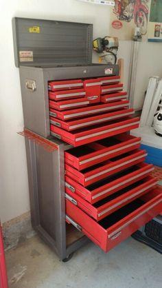 Craftsman rolling toolbox