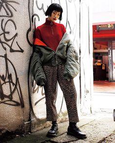 赤レオパード柄のコンビネーションで魅せるギャングスタイル相性の良い赤リップとボルドーシャドウでさらにハードにメイクアップ February issue P071 super street snap model @MYS_NANAMI outer #vintage tops @zara bottoms #vintage shoes @drmartensofficial #streetstyle #snap #nylonjapan #nylonjp #fashion #caelumjp via NYLON JAPAN MAGAZINE OFFICIAL INSTAGRAM - Celebrity Fashion Haute Couture Advertising Culture Beauty Editorial Photography Magazine Covers Supermodels Runway Models
