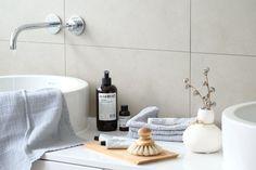Natürlich schöne Accessoires für ein wohnliches #Badezimmer | SoLebIch.de #bathroom #naturalliving