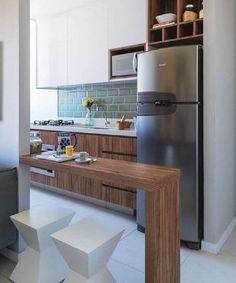 Apartamento pequeno: 45 m² decorados com charme e estilo Apartment Interior Design, Kitchen Interior, Interior Design Living Room, Design Interiors, Kitchen Dining, Kitchen Decor, Kitchen Cabinets, Small American Kitchens, Kitchenette