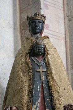 Nossa Senhora das Cruzadas. Thuret, França.