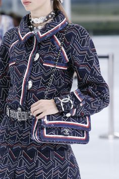Chanel Spring 2016 Ready-to-Wear Accessories Photos - Vogue Colección De  Vestidos b5106d97243b