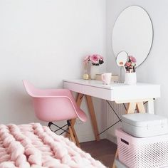 to boho bedroom decor decor ideas 2019 decor cheap ideas decor gold bedroom decor decor boho decor sets decor xmas Built In Dressing Table, Dressing Table Organisation, Dressing Tables, Storage Chair, Office Storage, Beauty Room, Dream Rooms, My Room, Interior Design Living Room