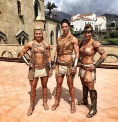 """buffyshot: """" Wonder Women from the set of the Wonder Woman movie """" Amazons Women Warriors, Spartan Women, Spartan Warrior, Wonder Woman Movie, Muscle, Photoshop, Cosplay, Amazing Pics, Awesome"""