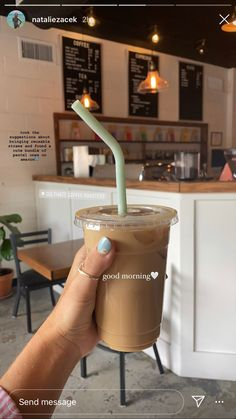 Aesthetic Coffee, Brown Aesthetic, Aesthetic Food, Caffeine Addiction, Coffee Pictures, I Love Coffee, Coffee Date, Coffee Drinks, Matcha