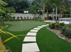Golf Green and Lawn in Southern Florida! Famous Golf Courses, Public Golf Courses, Artificial Putting Green, St Andrews Golf, Augusta Golf, Golf Course Reviews, Golf Green, Golf Putting Tips, Golf Instruction