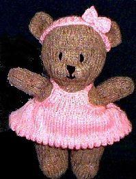Bitsy Bear - Free Knitting Pattern - here: http://www.knittingpatterncentral.com/patterns/bitsy_bear.php