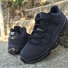 2014 cheap nike shoes for sale info collection off big discount.New nike roshe run,lebron james shoes,authentic jordans and nike foamposites 2014 online. Nike Air Jordans, Retro Jordans, Cute Shoes, Me Too Shoes, All Black Sneakers, Shoes Sneakers, Jordans Sneakers, Fresh Shoes, Mo S