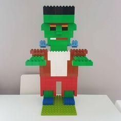 Hier siehst du Frankenstein's Monster aus LEGO® Duplo, das uns von BRICKaddict.de gefällt! Lego Duplo, Halloween Lego, Lego Studios, Lego Therapy, Lego Zombies, Box Container, Lego Boards, Lego Activities, Lego Photography
