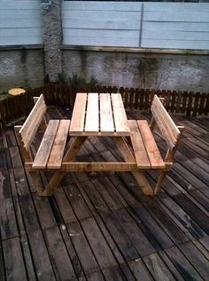 Build Pallet Picnic Table with Backrest | 99 Pallets