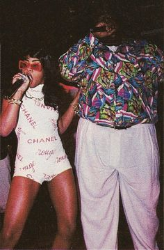 "futuretip: "" "" donttrustrobotz: "" Lil' Kim & Notorious BIG "" mama "" i live for this whole picture "" Love And Hip, Hip Hop And R&b, 90s Hip Hop, Hip Hop Rap, Hip Hop Fashion, Look Fashion, Urban Fashion, 90s Fashion, Queer Fashion"