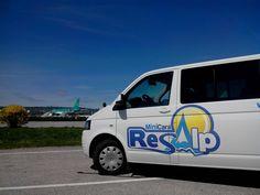 Minibus #Resalp lors d'un #transfert vers l'aéroport Grenoble Isère