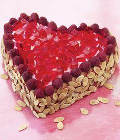 Eine fruchtige Torte mit Himbeeren zum Muttertag oder Valentinstag.