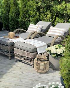 Love this pretty spot on this deck. Outside Living, Outdoor Living, Patio Design, Garden Design, Garden Furniture, Outdoor Furniture Sets, Outdoor Spaces, Outdoor Decor, Dream Garden