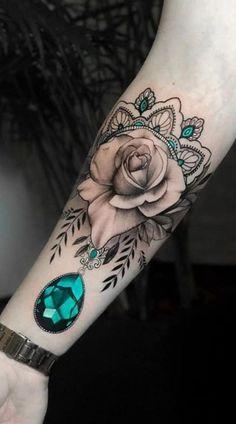 75 Images of female tattoos on the arm - Images and t .- 75 Immagini di tatuaggi femminili sul braccio – Immagini e tatuaggi 75 Images of female tattoos on the arm – Images and tattoos - Gem Tattoo, Jewel Tattoo, Tattoo Und Piercing, Snake Tattoo, Inca Tattoo, Pretty Tattoos, Sexy Tattoos, Body Art Tattoos, Sleeve Tattoos