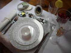plastic plates that are divine looks like china from