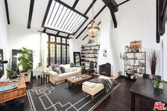 Vintage L.A. Bungalow Condo Real Estate Listing | Apartment Therapy