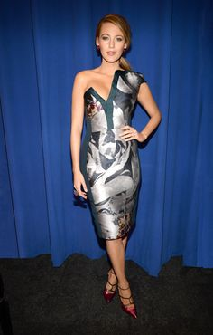 Blake Lively Is Better Than Anyone at Wearing Florals Blake Lively in a midi floral bodycon dressBlake Lively in a midi floral bodycon dress Trends 2018, Blake Lively Style, Dress Up, Bodycon Dress, Swag Dress, Sheath Dress, Dress Shoes, Kendall, Hollywood Fashion