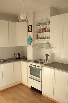 Melkein kuin uusi: Minibudjetin keittiöremppa #3   Kaapinovien maalaus