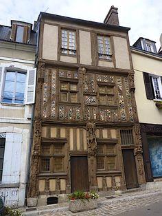 Old building - #wood Joigny - Yonne Burgundy