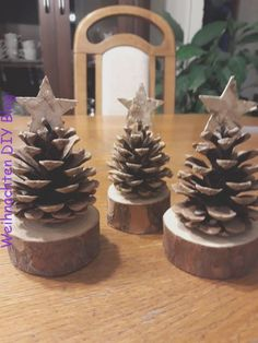 Trendy cute christmas tree decorations pine cones Trendy cute christmas tree decorations pine cones 29 DIY Christmas Decorations Ideas > Christmas Ornament Ideas You Can Try To Made It Noel Christmas, Simple Christmas, Winter Christmas, Office Christmas, Pine Cone Christmas Tree, Christmas Room, Christmas 2019, Christmas Tables, Diy Christmas Stuff