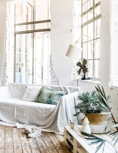I just love white with green accents! And lots of green plants with that.