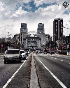 Te presentamos la selección del día: <<LUGARES: Avenida Bolívar>> en Caracas Entre Calles. ============================  F E L I C I D A D E S  >> @cebn << Visita su galeria ============================ SELECCIÓN @luisrhostos TAG #CCS_EntreCalles ================ Team: @ginamoca @huguito @luisrhostos @mahenriquezm @teresitacc @marianaj19 @floriannabd ================ #lugares #Caracas #Venezuela #Increibleccs #Instavenezuela #Gf_Venezuela #GaleriaVzla #Ig_GranCaracas #Ig_Venezuela…