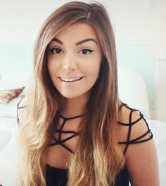 CutiePieMarzia! Marzia Bisognin has a really cute dress on!!!