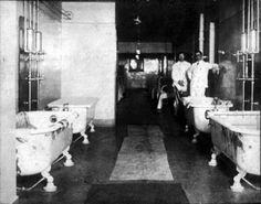 Kalamazoo Psychiatric Hospital, Continuous Bath Room, 1918, State Psychiatric Hospital, Kalamazoo, Michigan, USA