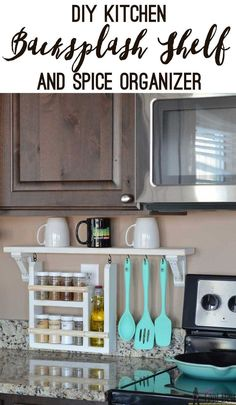 Clear the countertop clutter and have all of your essential kitchen gadgets organized and handy. Free plans and tutorial to build a DIY kitchen backsplash shelf and spice organizer. d'autres gadgets ici : http://amzn.to/2kWxdPn http://amzn.to/2spCmml