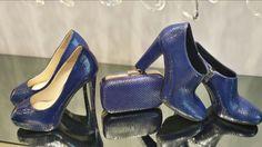 """""""Date ad una ragazza le scarpe giuste e potrà conquistare il mondo."""" Décolleté e scarpa Albano in pelle pitonata blu"""
