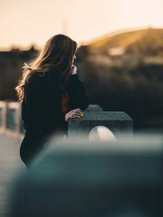 Friend Poses Photography, Sad Girl Photography, Portrait Photography Poses, Photography Jobs, Creative Photography, Nature Photography, Photography Courses, Professional Photography, Digital Photography