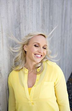 Jutta Gustafsberg, Photo: Kaisu Jouppi, Styling: Aino-Sofia Kojonen, Hair & make up: Tintti Alanko. Kotivinkki 10/2013.
