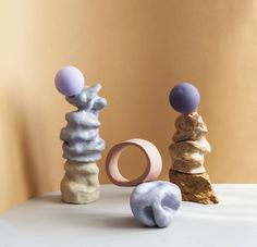 Geometric shapes balance precariously atop misshapen forms in this abstract sculpture series by Swedish designer Malou Palmqvist. Ceramic Pottery, Pottery Art, Ceramic Art, Abstract Sculpture, Sculpture Art, Stone Sculptures, Crystal Garden, Conceptual Art, Sculpting