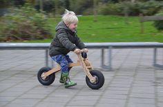 Houten kinderfiets, BB-bike 3de fase van 3 tot 4 jaar (De Valois Houtbewerking)