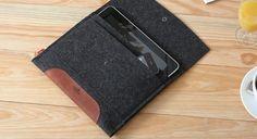 Pack & Smooch Merino ipad sleeve (anthracite & light brown)